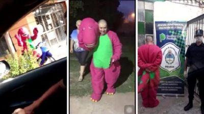 """""""Barney"""" cae detenido por violar la cuarentena"""