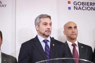 Abdo reitera controles más estrictos y cuestiona a sindicatos por no aceptar recorte de salarios