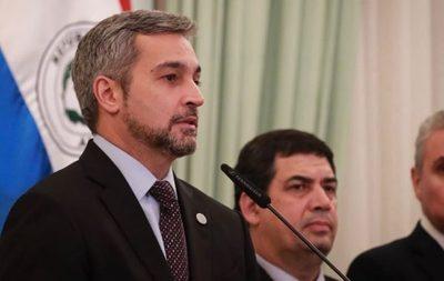 Abdo Benítez se declara adversario de funcionarios que rechazan recorte