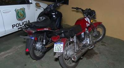 Tras un asalto, agentes policiales detienen a malvivientes y recuperan motocicleta