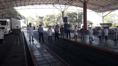 Piden a paraguayos en el extranjero a no intentar ingresar al país