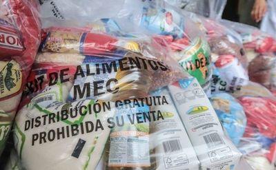 Sigue entrega de kits de alimentos a padres de alumnos, en Asunción. Conozca los locales