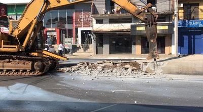Demuelen paradas del Metrobús: usarán escombros para nuevos hospitales