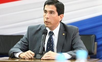 Ministro insta a paraguayos en el extranjero a no intentar ingresar al país