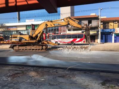 Metrobús: Arranca la demolición de paradas del rescindido proyecto