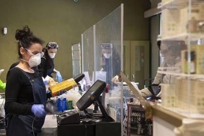 """Hay riesgo de """"penuria alimentaria"""" por el coronavirus, advierten ONU y OMC"""