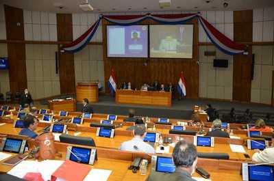 Senadores aprueban postergar las elecciones municipales por un año