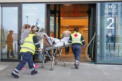 Una mujer de 90 años prefirió morir renunciando a un respirador para cedérselo a los jóvenes