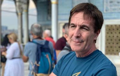 HOY / ABC Tv pendiente de Telefuturo: Su conductor Enrique Vargas Peña los evidenció al aire