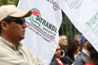 """Sitrande dice que sus salarios fueron """"confiscados"""""""