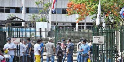ANDE suspende bonificación del 50% de consumo de energía a sus funcionarios