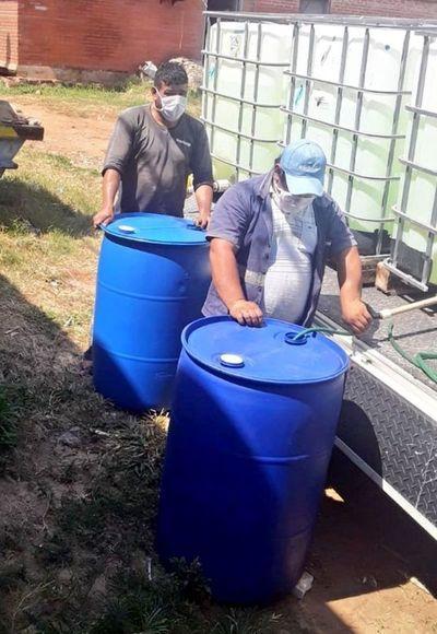 Quejas de usuarios contra corte y agua turbia de Essap