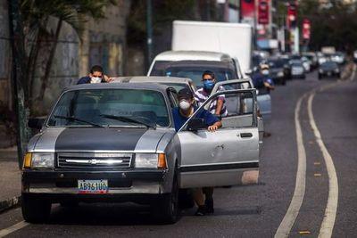 """EE.UU. lanza """"plan B"""" para sacar a dictador venezolano del poder"""