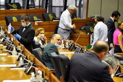 Médicos especialistas repudian actitud de senadores ante proyecto que prohíbe el despilfarro