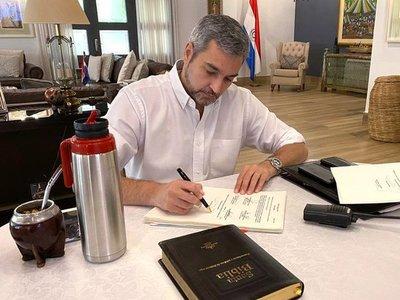 Adelantaron que Mario Abdo vetará modificación de royalties