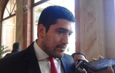 "Secretario privado de Abdo Benítez califica de ""oportunista"" a Godoy"