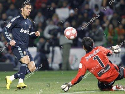 Villar recuerda con orgullo sus enfrentamientos con Messi y Cristiano