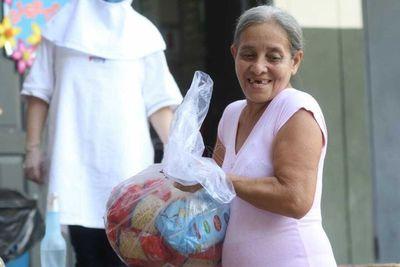 Central entrega alimentos a familias vulnerables