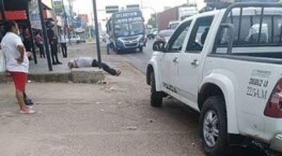Tres personas se desvanecieron en la vía pública: una murió