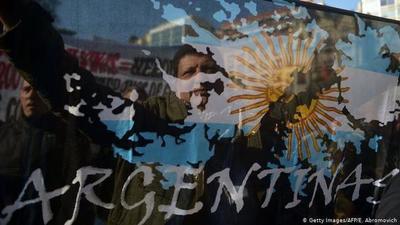 Argentina, confinada, reclama Las Malvinas en las redes sociales