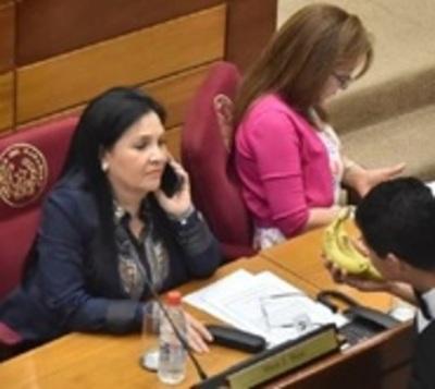 Senadora desmiente incumplimiento de cuarentena