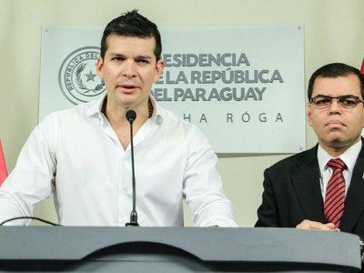 Secretario de la Presidencia dispara contra Sergio Godoy