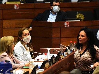 Congreso cerrado por caso positivo de  Covid-19  y piden sesión virtual