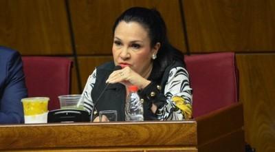 Senadora sostiene que cumplió con la cuarentena obligatoria