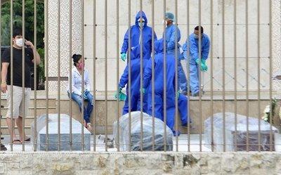 """Coronavirus en Ecuador: en Guayaquil, la gente sigue viviendo entre muertos y en la morgue """"el olor es desesperante"""""""
