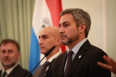 Abdo Benítez pide afrontar con mucha seriedad la lucha contra el coronavirus