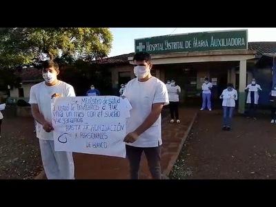 ENFERMEROS NO COBRAN Y ANUNCIAN PARO EN MARIA AUXILIADORA