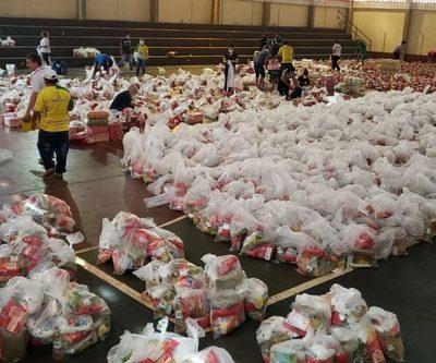 En Franco, entregan cestas básicas con miembros de comisiones y capillas