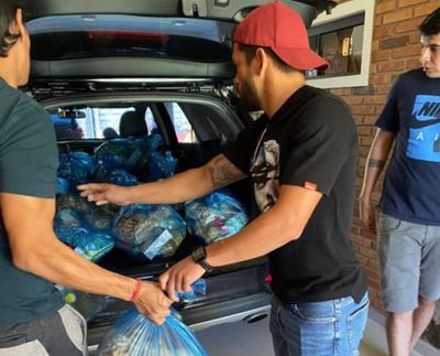 Miguel Samudio también da una mano a los necesitados