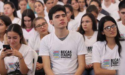 Nuevos becarios de Itaipú podrán  retirar sus tarjetas de cobro desde hoy – Diario TNPRESS