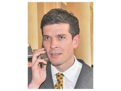 Apuntan que Marito puede elevar impuesto vía decreto