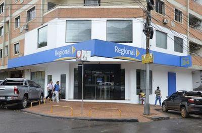 Bancos no abrirán sus puertas