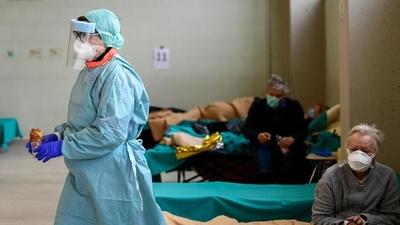 Personal sanitario italiano pide más protección en su exposición al coronavirus
