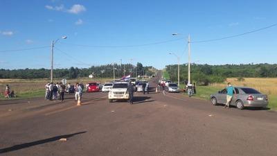 ANTE FALTA DE AGENTES POLICIALES CIUDADANOS DE SAN PEDRO DEL PNA BLOQUEAN ACCESOS