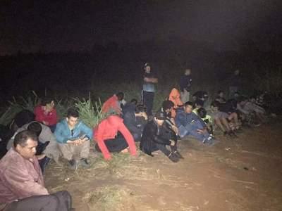 Caen 45 estibadores que cruzaban mercaderías de contrabando por el río Paraná