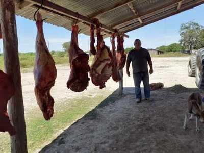 Ganaderos donan carne a familias necesitadas del distrito de Fuerte Olimpo