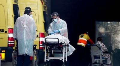 Francia supera la barrera de los 7.500 muertos por el coronavirus