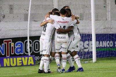 Un paraguayo y dos técnicos de la Albirroja en el histórico de Newell's