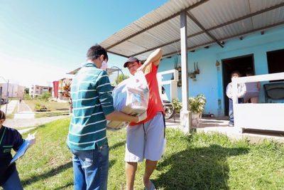 Pobladores del Barrio San Francisco recibieron kits de alimentos por parte de la itaipú