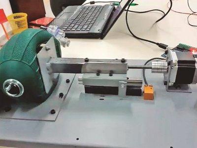 Afinan prototipos de respirador automático para los hospitales