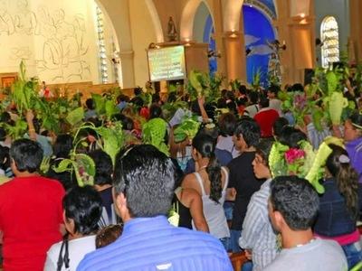 SEMANA SANTA ATÍPICA: CATÓLICOS SIGUEN CELEBRACIONES A TRAVÉS DE LAS REDES