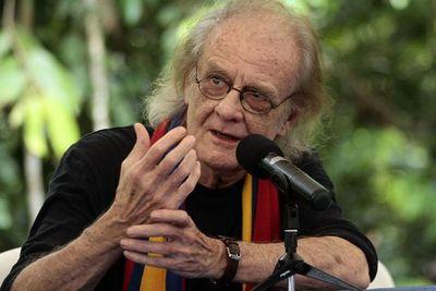 Muere Luis Eduardo Aute, icono de la música de autor española