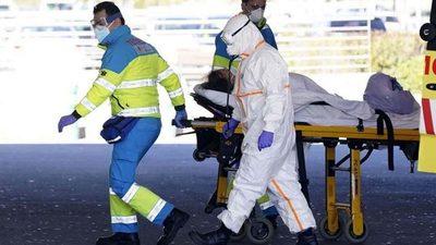 Reportan 674 muertes y aumentan las esperanzas en España.