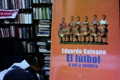 Lectura y fútbol: diez libros con balón