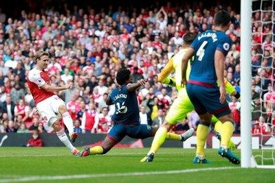 Futbolistas de la Premier League advierten de pérdidas multimillonarias