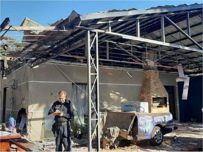 Puerto Irala: Hacen explotar una casa en atentado contra una pareja